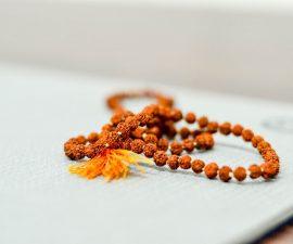 Mâla bracelet bouddhiste à 108 perles