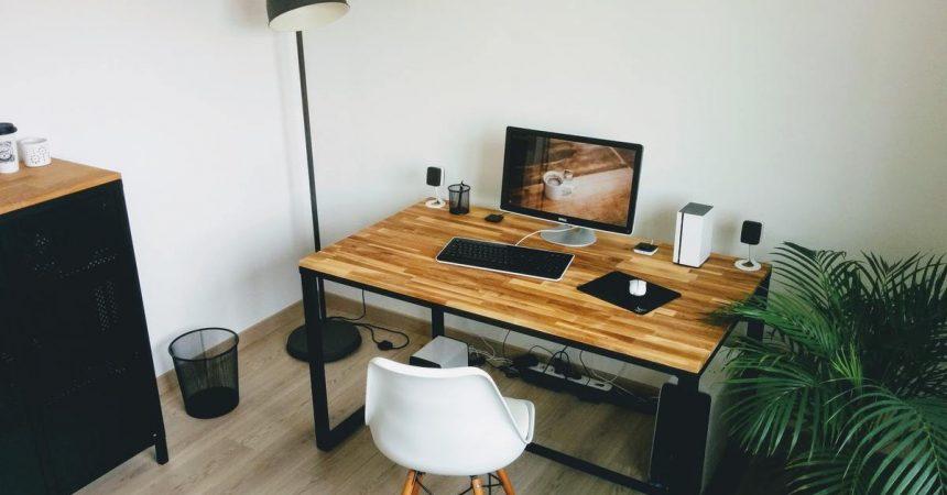 Bureau design en bois et en métal